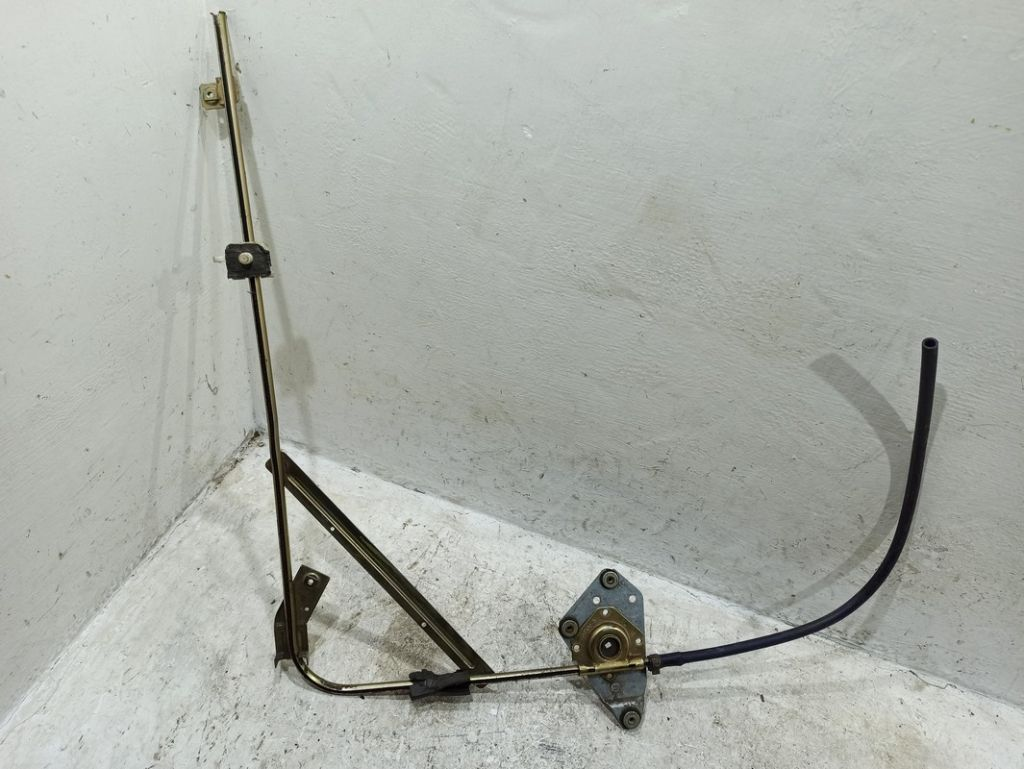Стеклоподъемник электрический передний правый Iveco