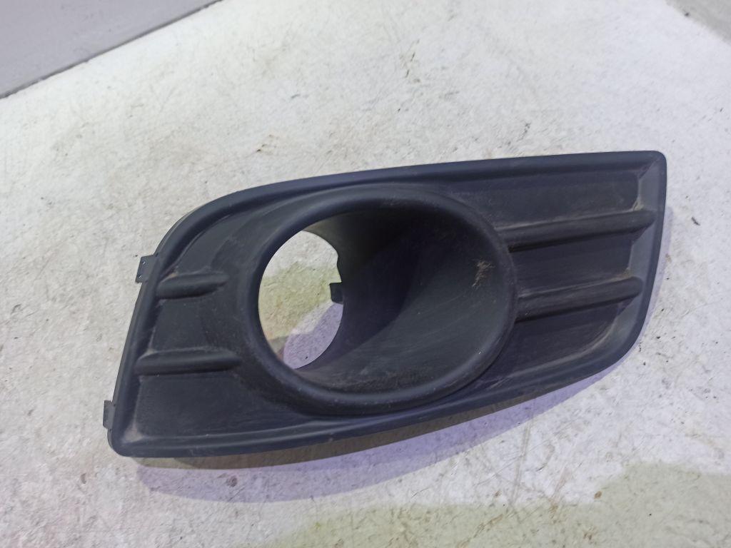 Накладка противотуманной фары левой Suzuki