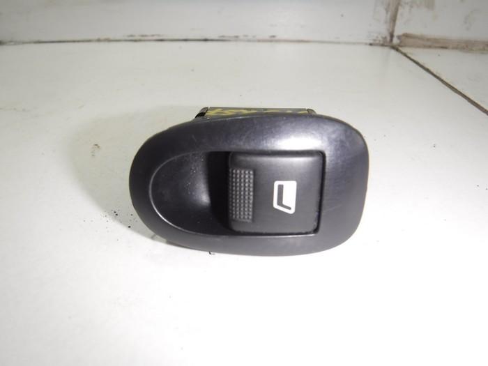 Кнопка стеклоподъемника Peugeot