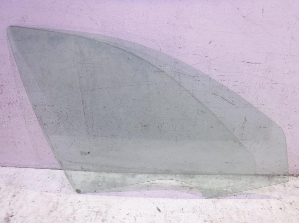 Стекло передней правой двери Skoda