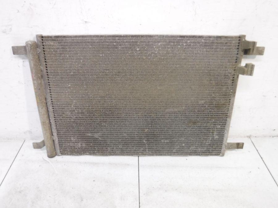 Радиатор кондиционера Audi