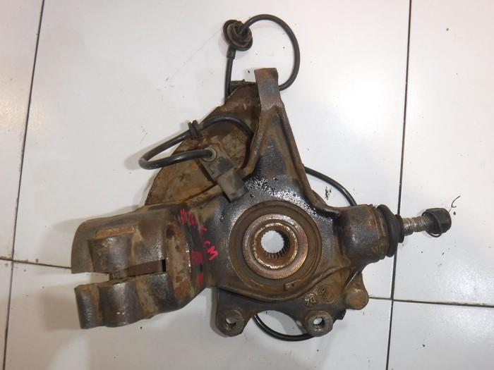 Кулак передний правый Peugeot