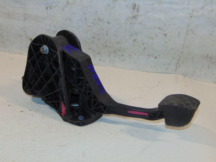 Педаль сцепления Skoda