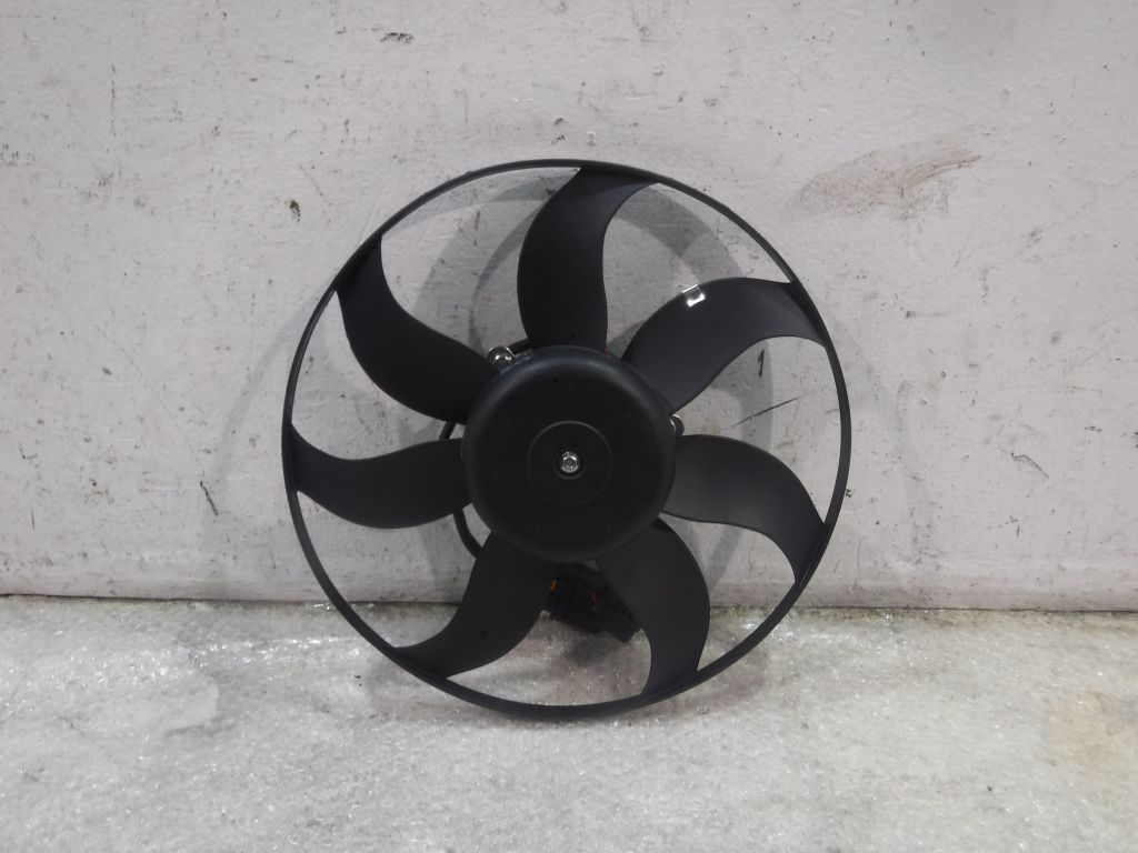 Вентилятор радиатора Audi