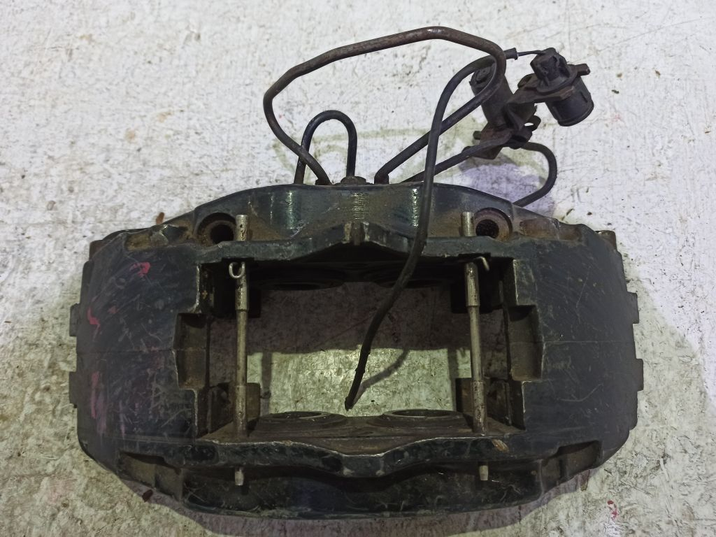 Суппорт передний правый Audi