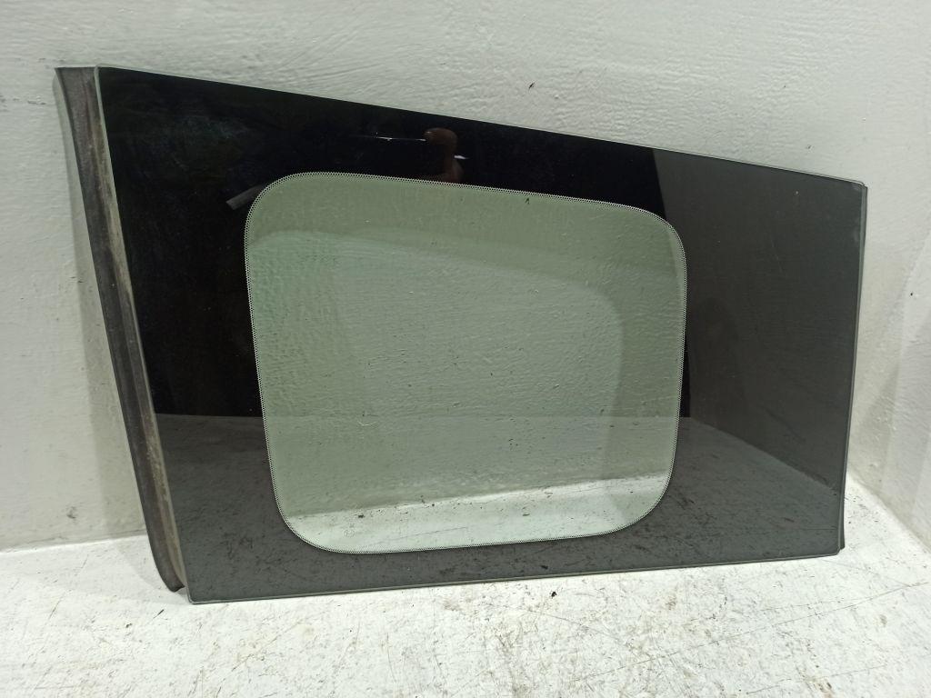 Стекло заднего левого крыла Mazda