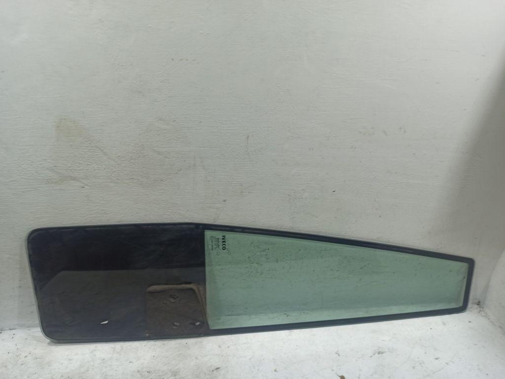 Форточка передней левой двери Iveco