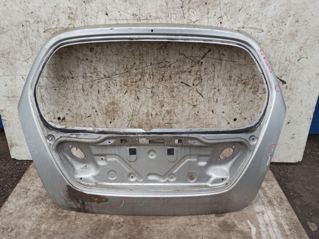 Дверь багажника Suzuki