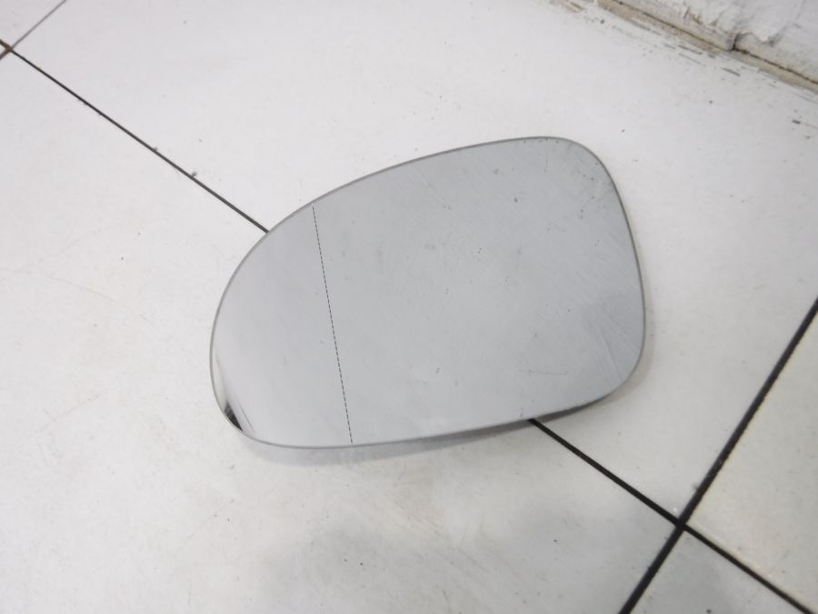 Зеркальный элемент левый Volkswagen