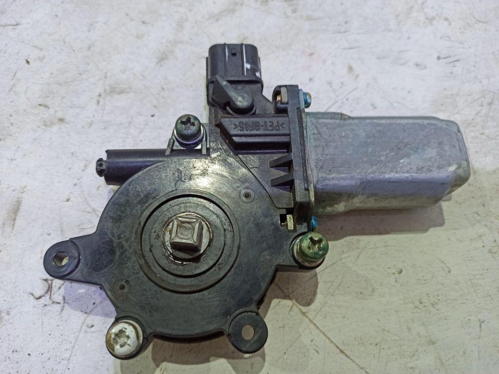 Моторчик переднего правого стеклоподъемника Mitsubishi
