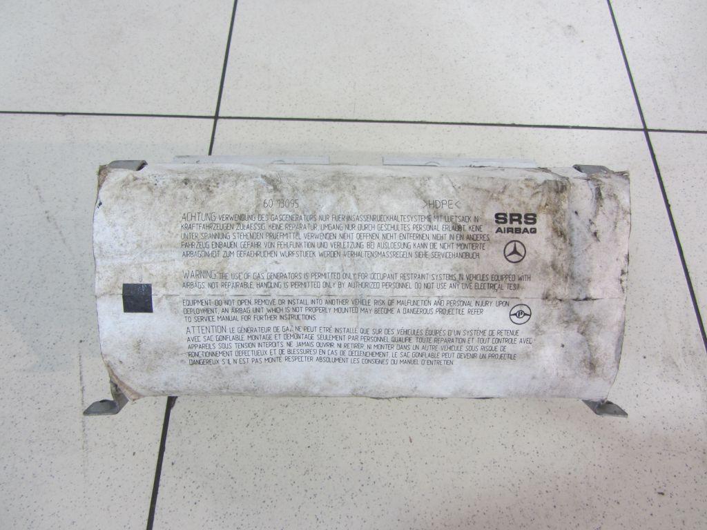 Подушка безопасности в торпеду Mercedes