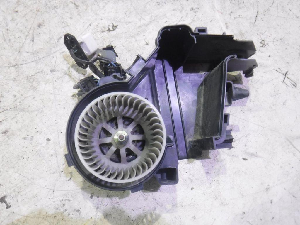 Моторчик печки Mitsubishi