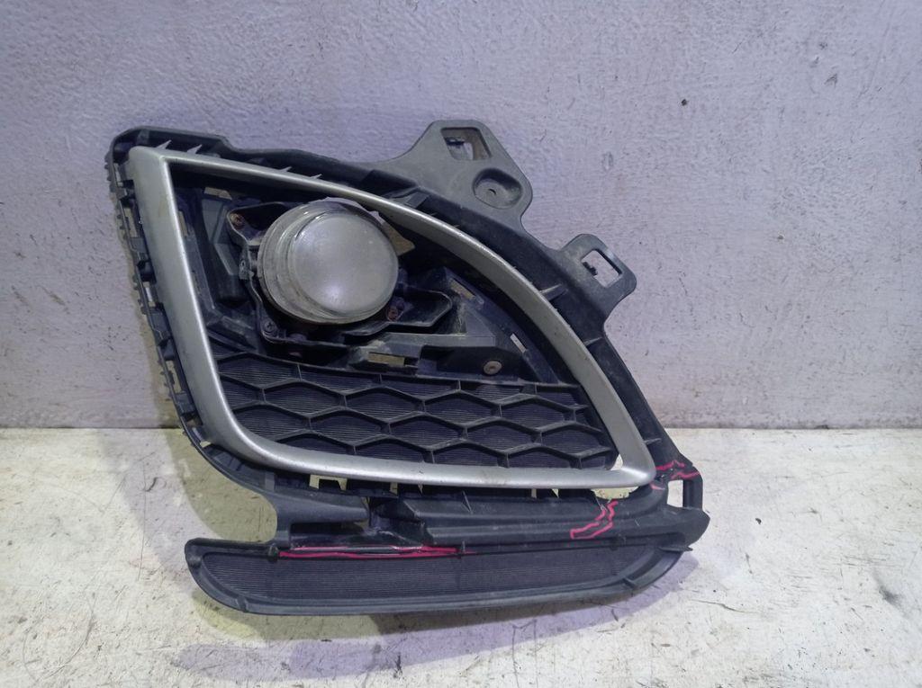 Фара противотуманная правая Mazda