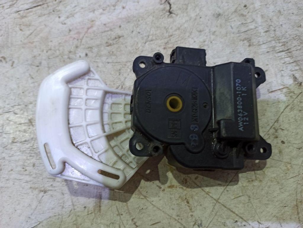 Моторчик заслонки печки Honda