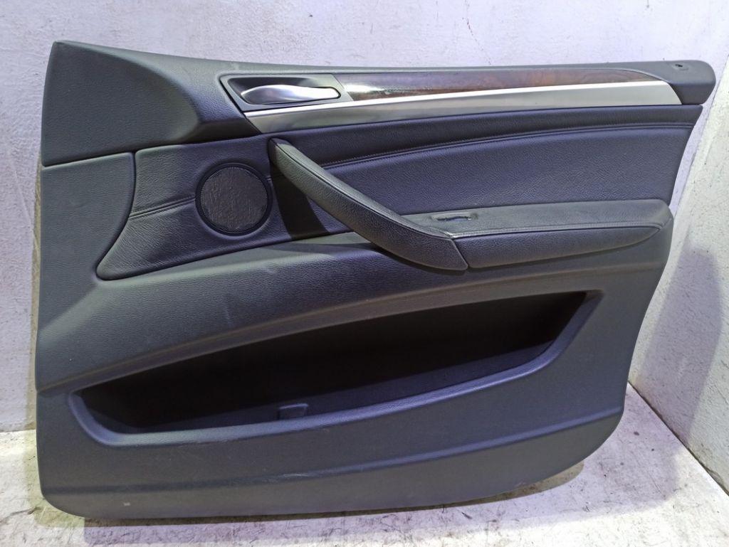 Обшивка двери передней правой BMW