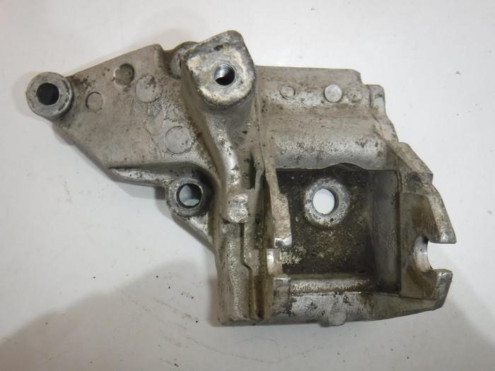 Кронштейн двигателя Peugeot
