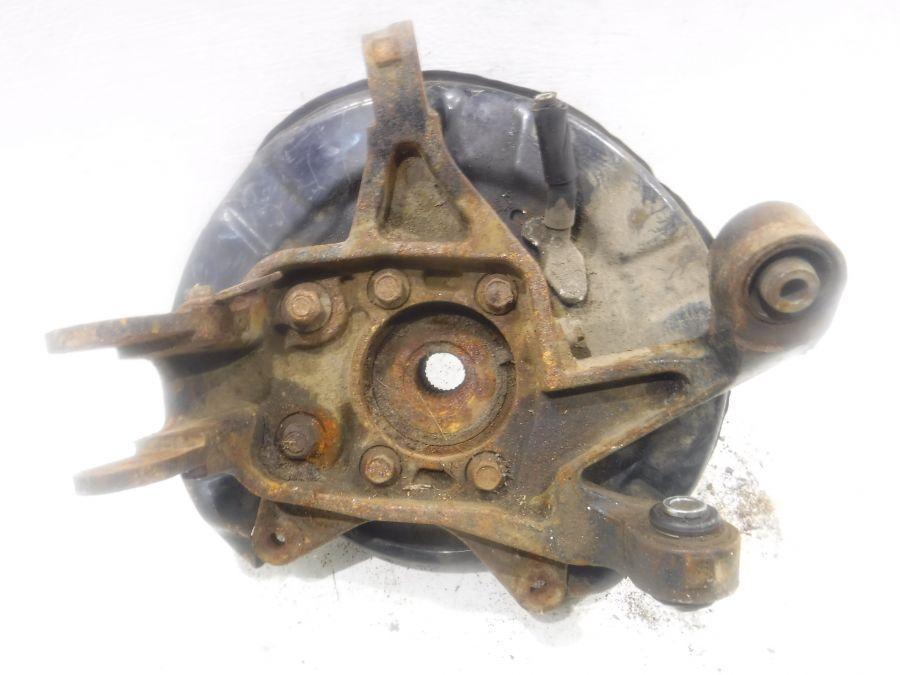 Кулак задний левый Subaru
