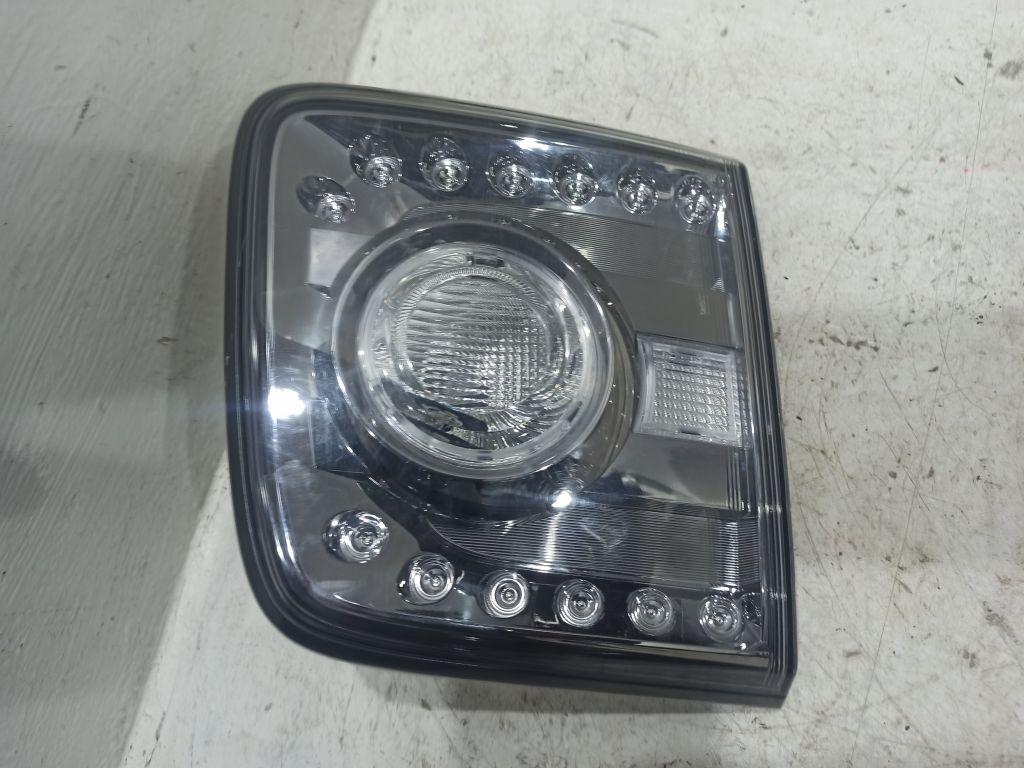 Фонарь задний левый внутренний Nissan