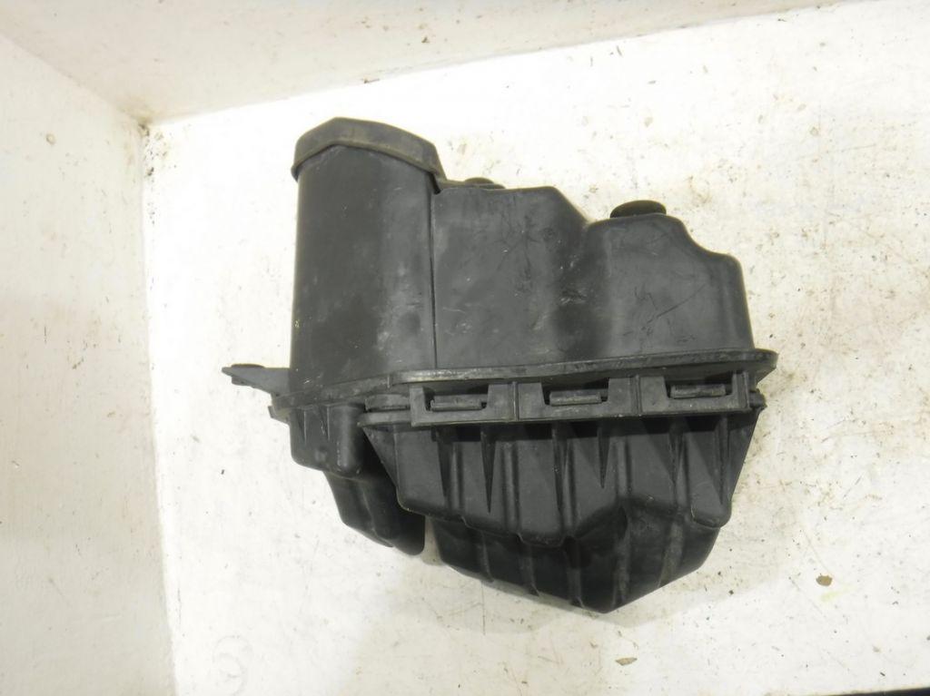 Корпус воздушного фильтра Chrysler