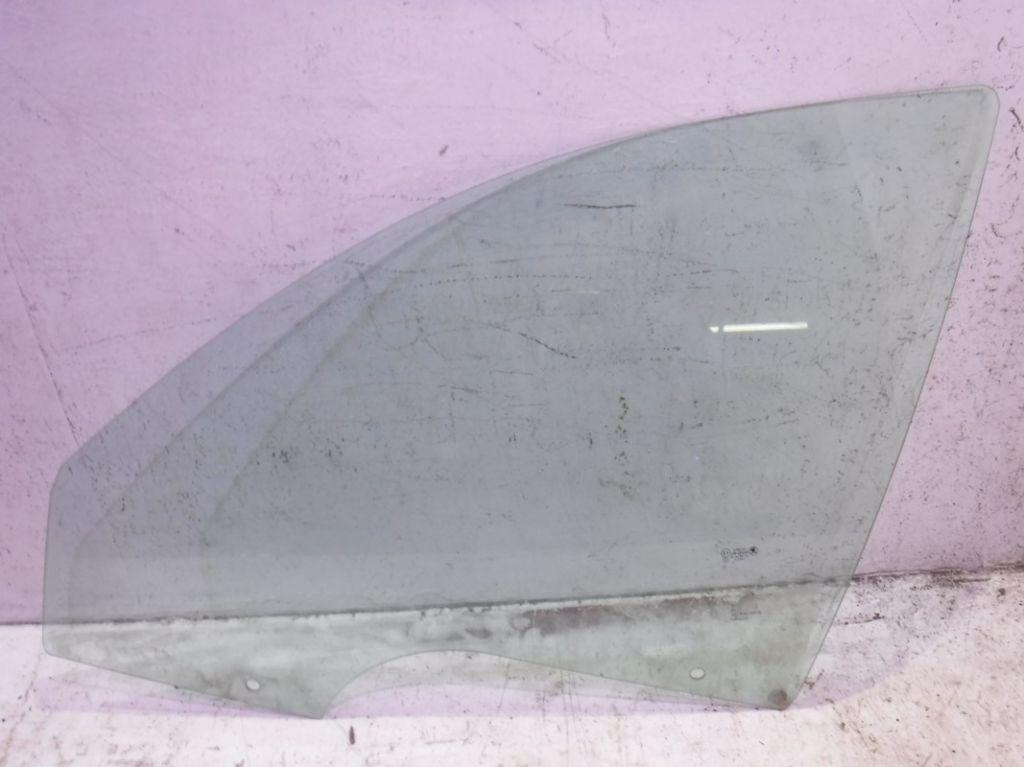 Стекло передней левой двери Skoda