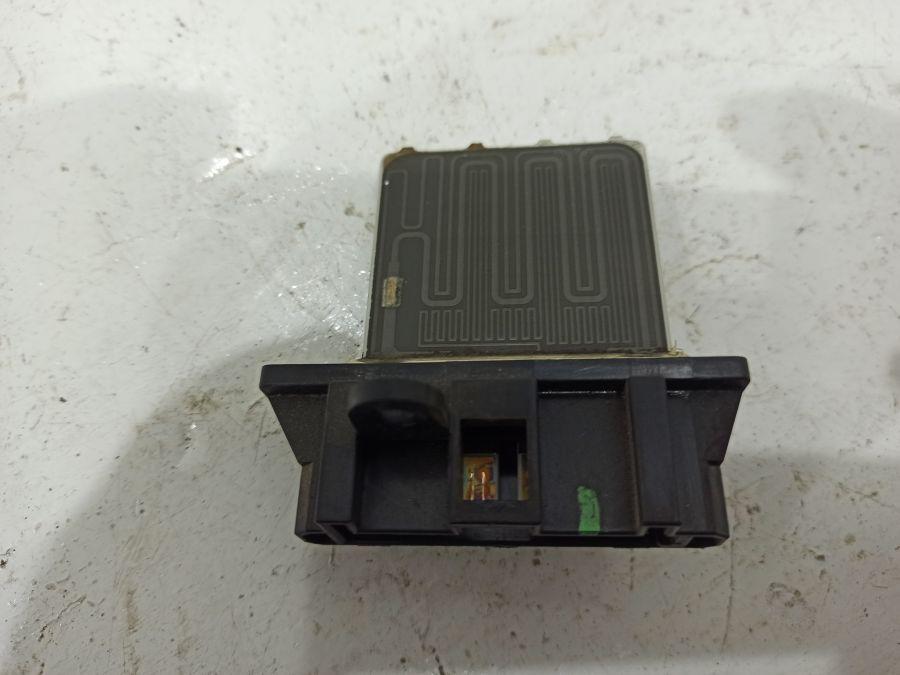 Резистор отопителя Nissan