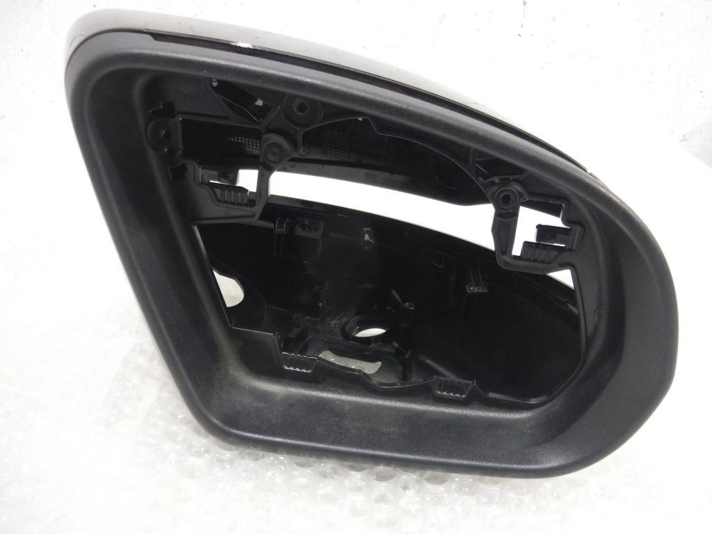 Корпус зеркала правый Mercedes