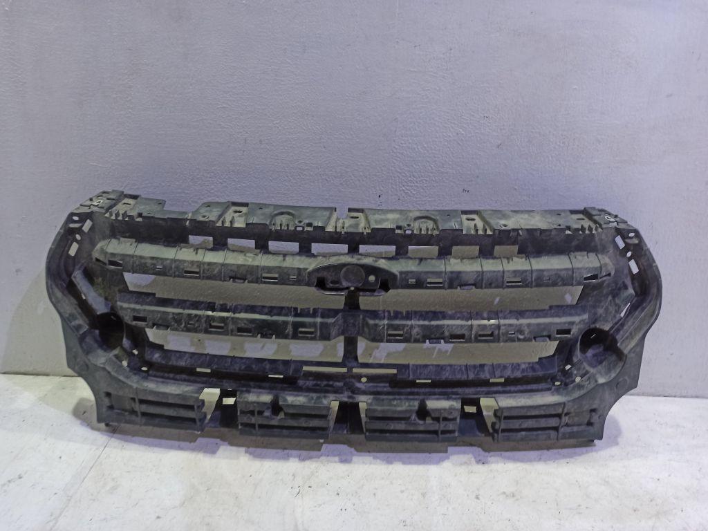 Кронштейн решетки радиатора Ford