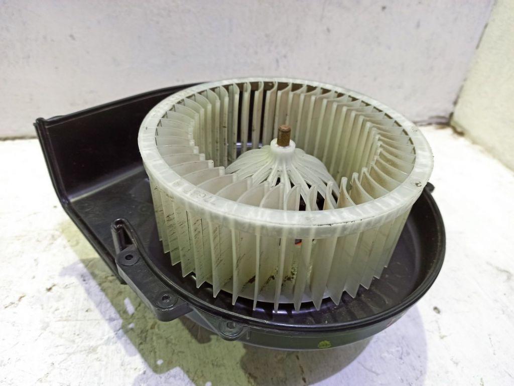 Моторчик печки Audi
